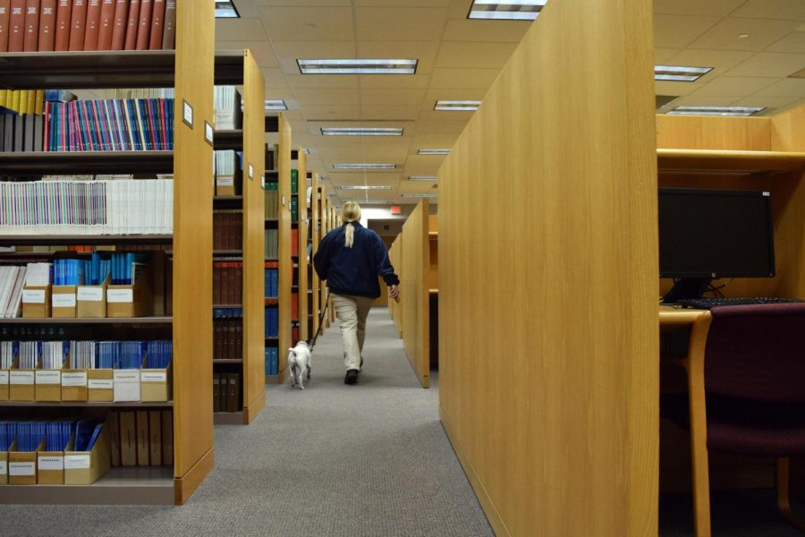 Library+Brings+in+Company%2C+Dogs+to+Sniff+Out+Bedbugs