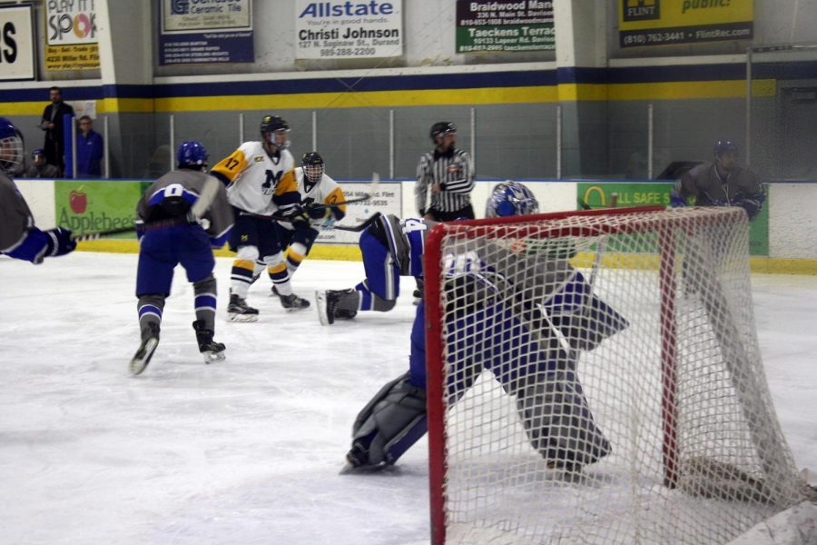 UM-Flint Hockey Ties with Lawrence Tech