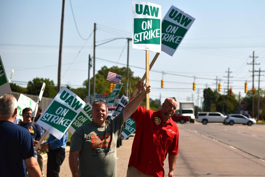 UAW+Strike+Enters+its+Fourth+Day